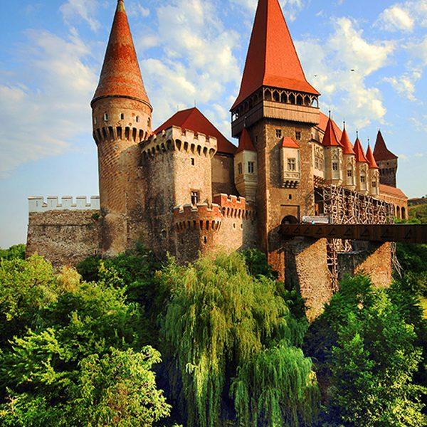 Замок на холме
