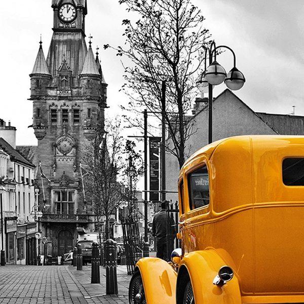 Желтый авто